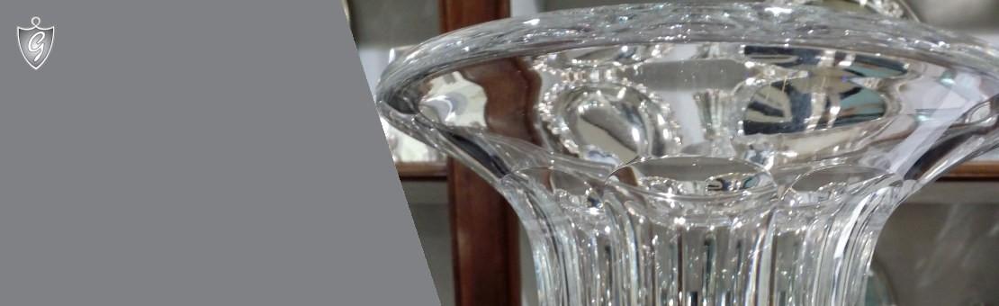 La trasparenza o il colore per una tavola e una casa in grado di esprimere la tua personalità.